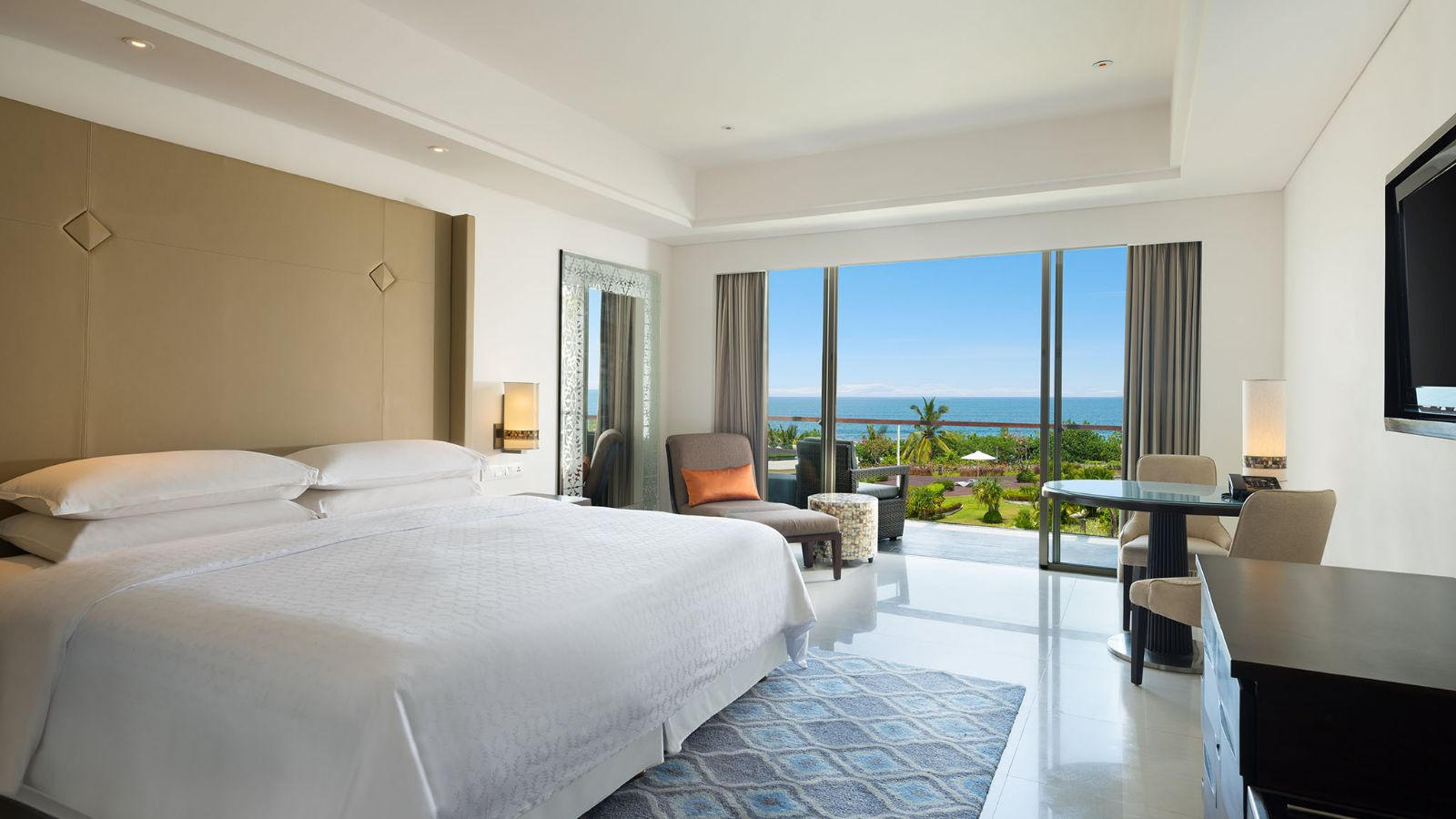 Deluxe Ocean Facing Room - Sheraton Bali Kuta Resort