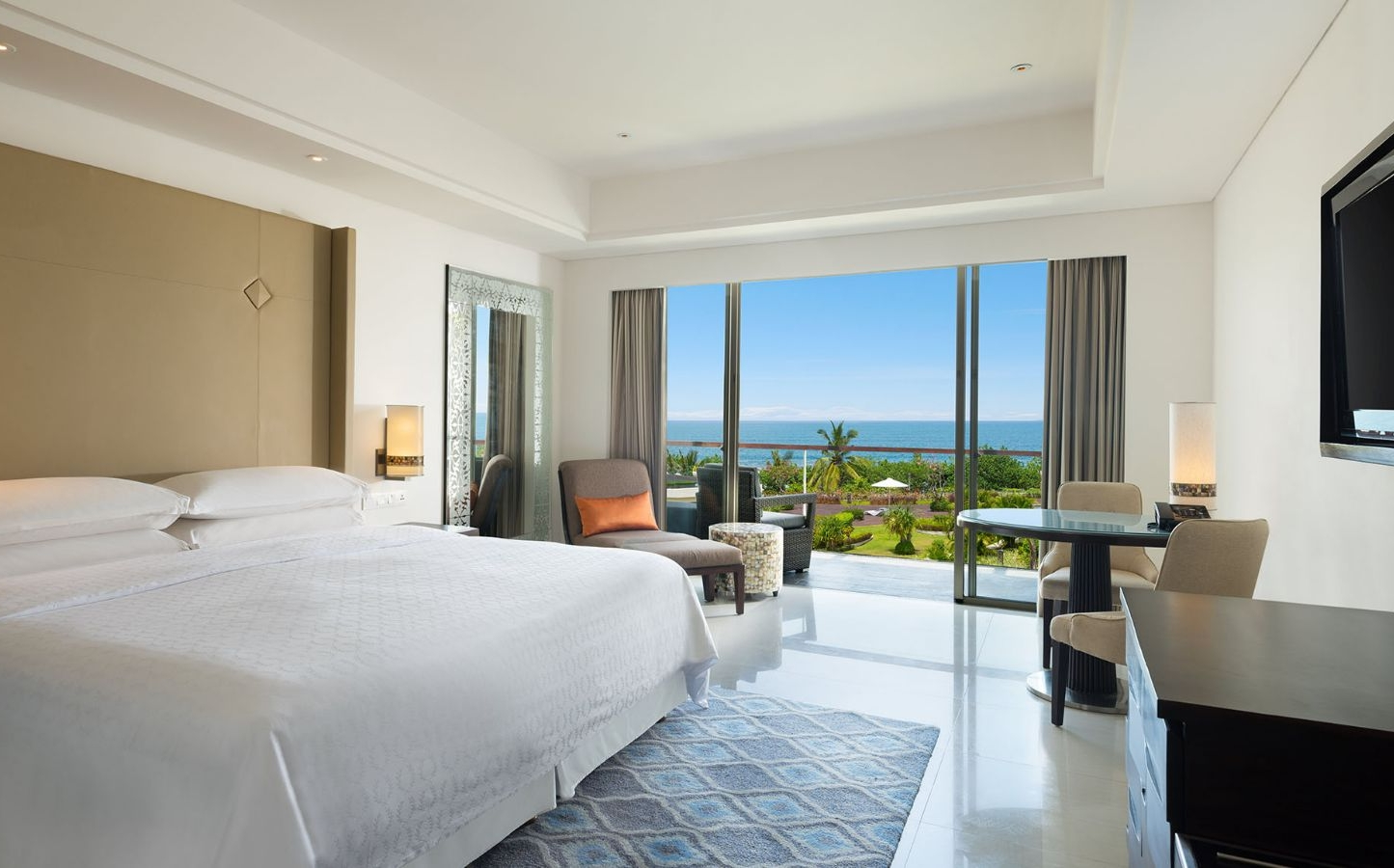 Deluxe Ocean Facing Room   Sheraton Bali Kuta Resort